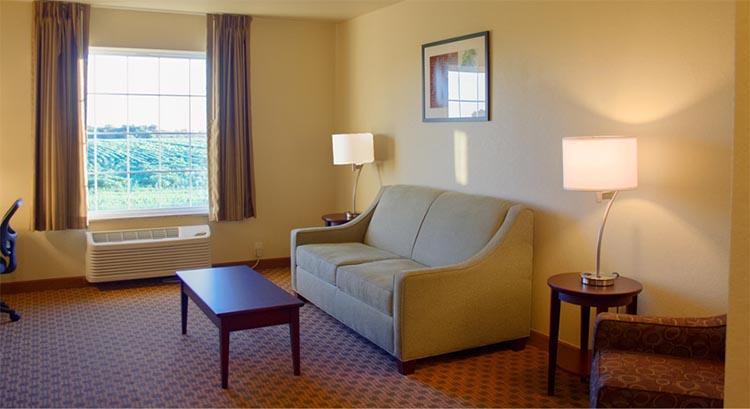 Single King Suite Livingroom