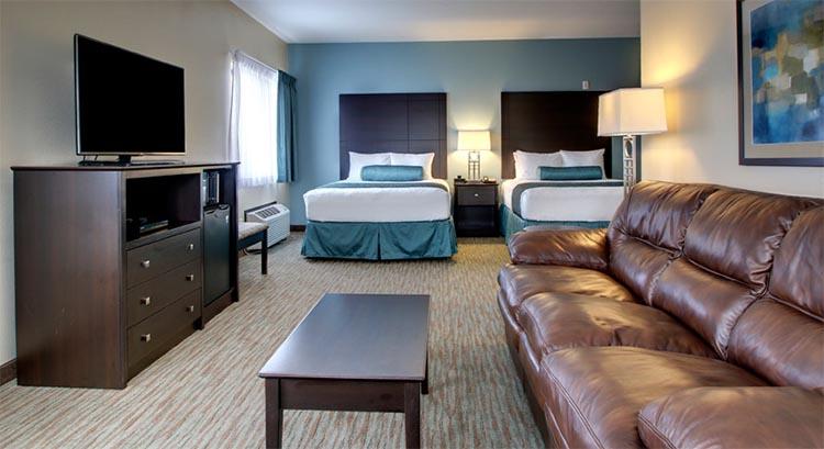 Double Queen Guest Suite