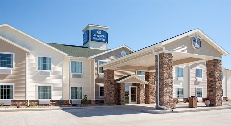 Cobblestone Inn And Suites In Winterset Iowa Hotel Accomodations