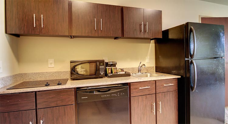 Single King Suite Kitchen