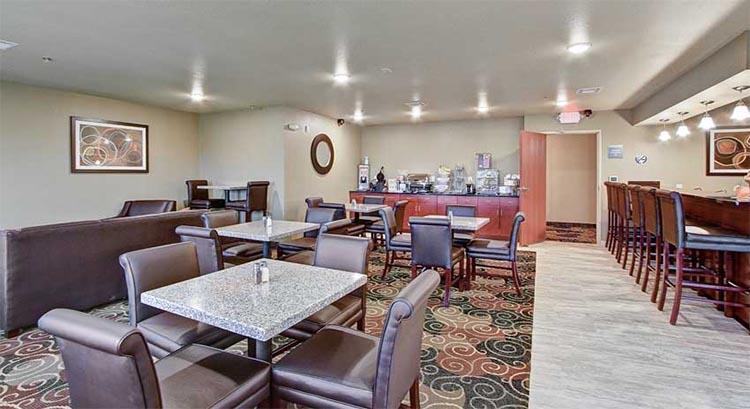 Cobblestone Lounge and Breakfast Area