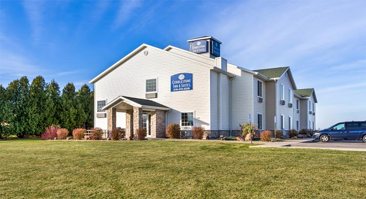 Cobblestone Inn And Suites In Vinton Iowa Hotel Accomodations Lodging