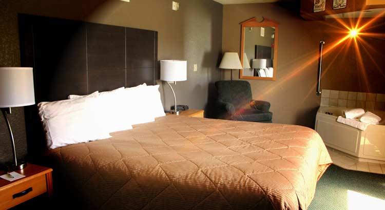 Fayette Iowa Map.Boarders Inn And Suites In Fayette Iowa Hotel Accomodations