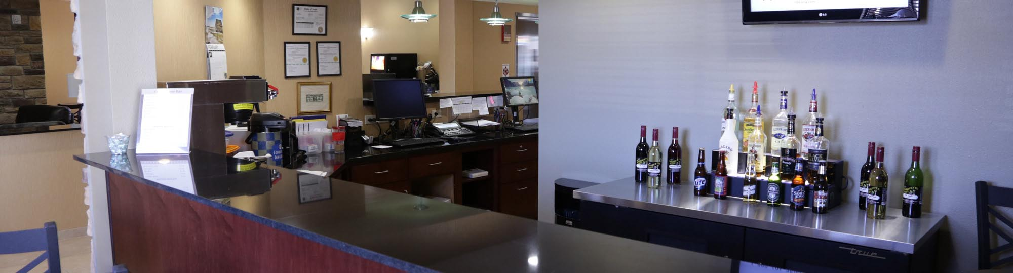 Cobblestone Inn and Suites Marquette
