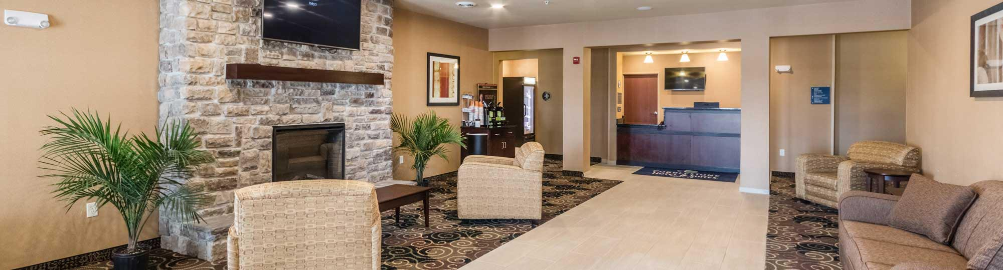 Cobblestone Hotel and Suites Pecos