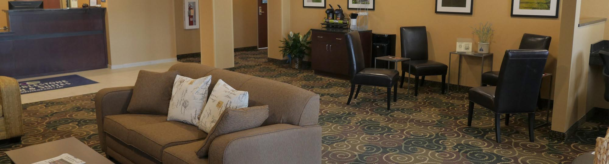 Cobblestone Inn and Suites Winterset