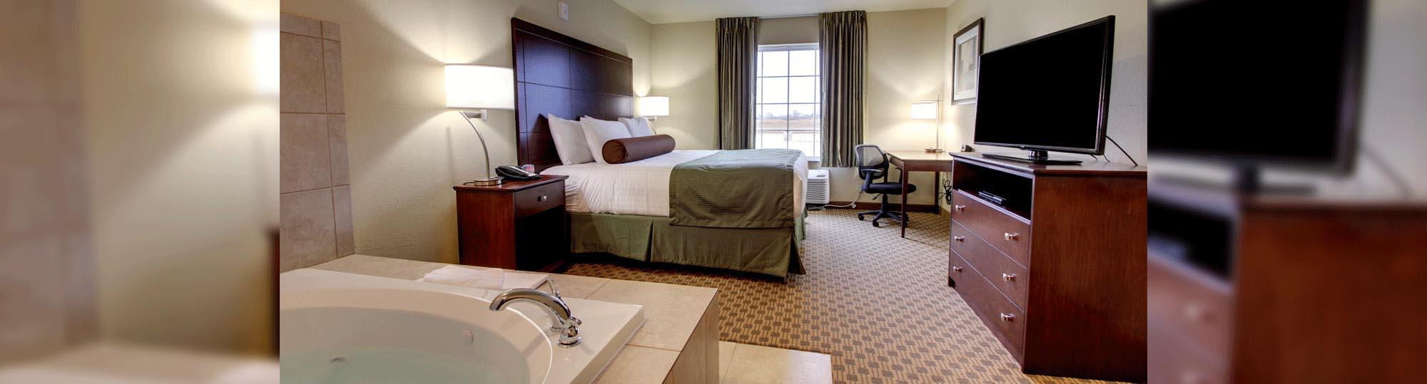Cobblestone Hotel and Suites Broken Bow