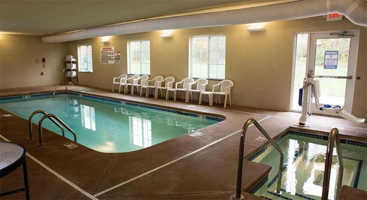 Cobblestone Hotel And Suites In Knoxville Iowa Hotel