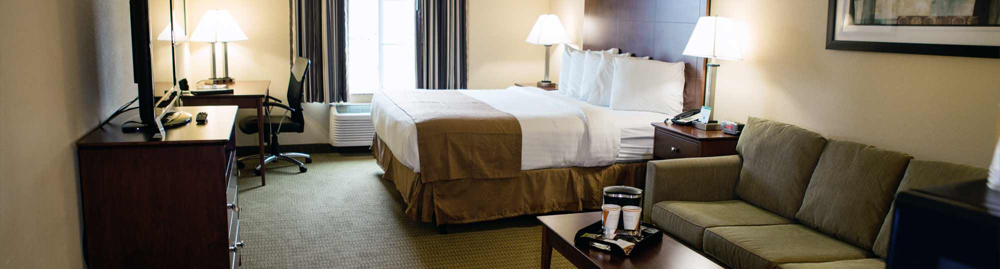 Cobblestone Hotel and Suites Knoxville