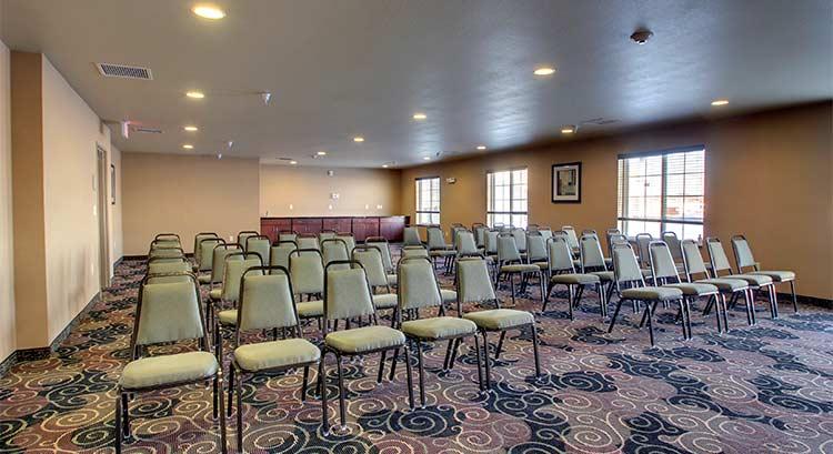 Cobblestone Inn And Suites In Bottineau North Dakota Hotel Accomodations Lodging