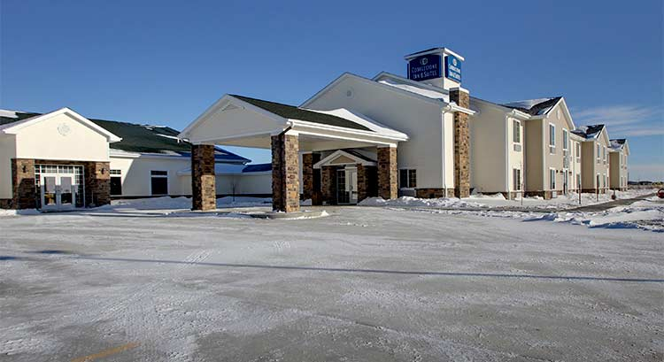 Cobblestone Inn And Suites In Bottineau North Dakota Hotel Accomodations Lodging