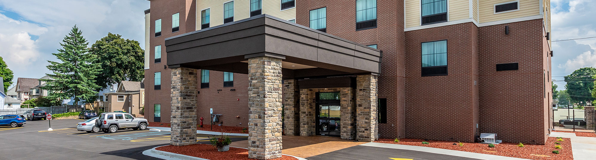 Cobblestone Hotel and Suites Hartford