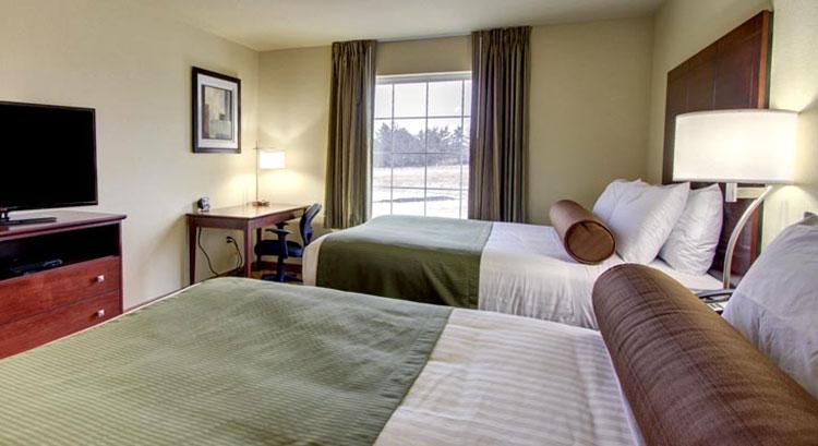 Two Queens Guestroom
